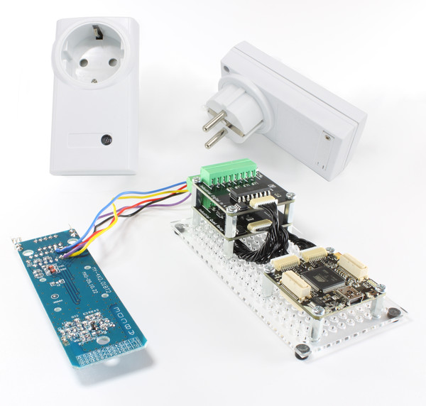 https://www.tinkerforge.com/en/doc/_images/Kits/hardware_hacking_kit_tilted_600.jpg