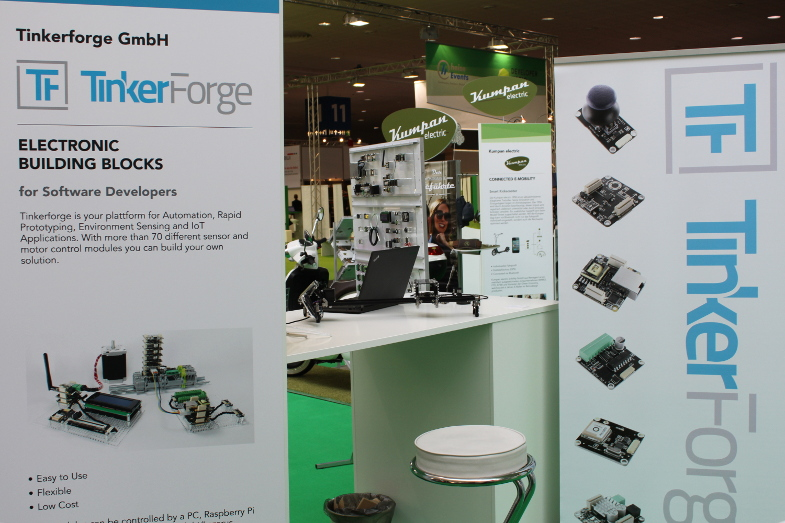 https://www.tinkerforge.com/static/img/_stuff/cebit_2016/cebit_2016_day1_2_small.jpg