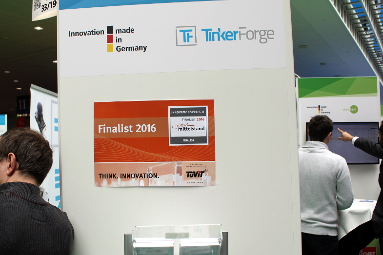 https://www.tinkerforge.com/static/img/_stuff/cebit_2016/cebit_2016_day2_1_small.jpg
