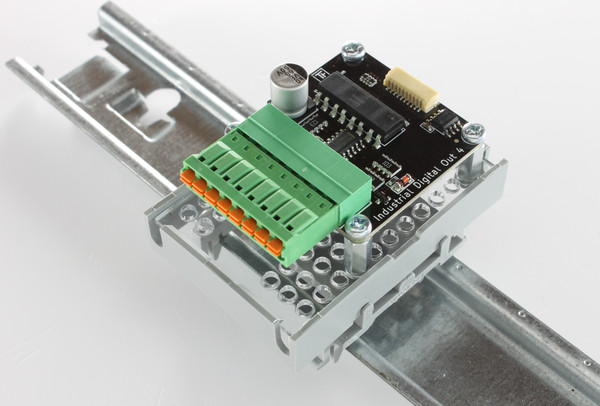https://www.tinkerforge.com/static/img/_stuff/rail_mounting_put_together_on_rail_600.jpg